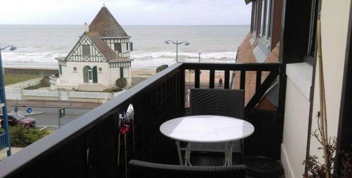 Modern Normandy Condominium with beautiful Seaview