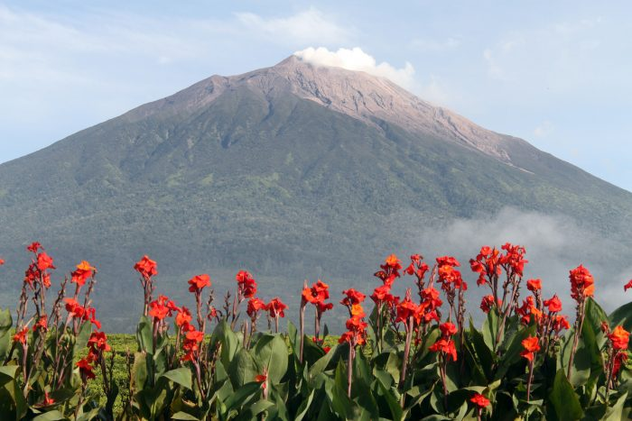 Mount Kerinci photo via Depositphotos