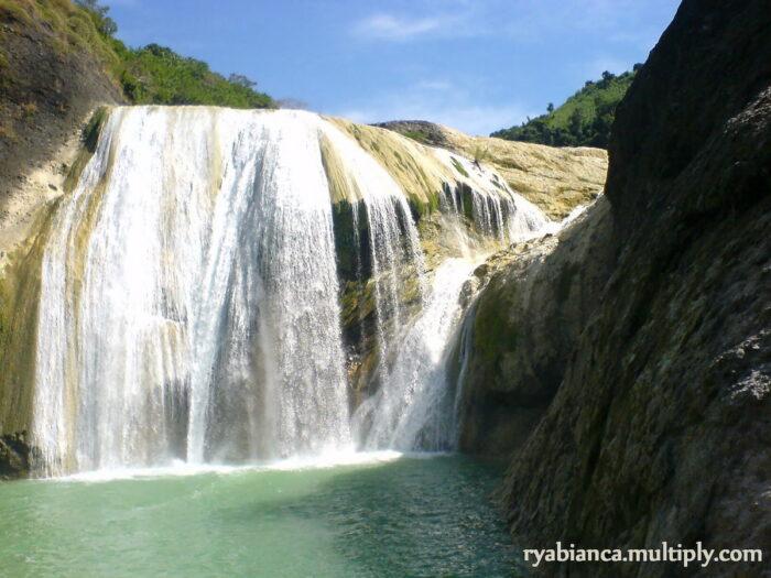 Pinsal Falls by Rya via Flickr CC