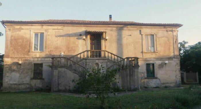 Private Room in a Villa in Borgia, Calabria, Italy