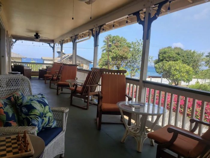 Airbnb Lahaina Room in bed and breakfast
