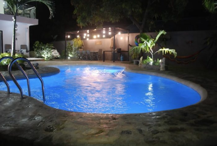 Beautiful bungalow Airbnb with swimming pool Binan, Laguna