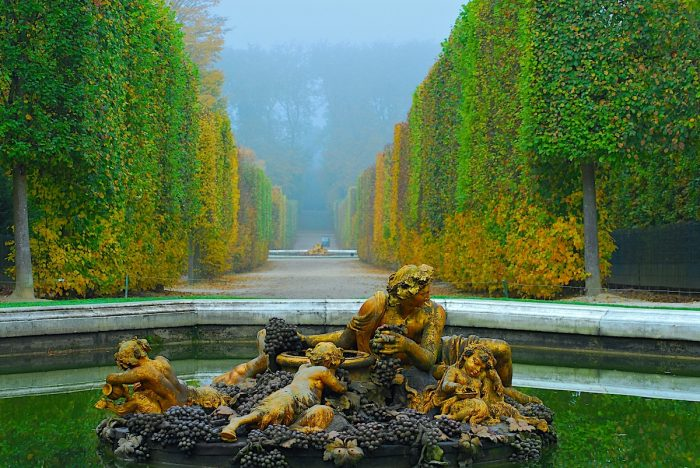 Chateau de Versailles Park photo via Depositphotos