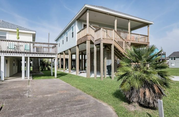 Coastal Stilt House Rental in Galveston Texas