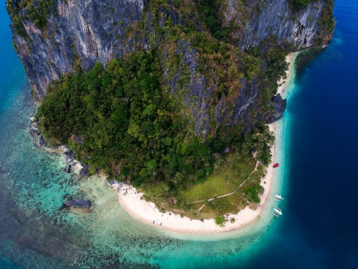 El Nido Palawan by Luca Calderone via Unsplash