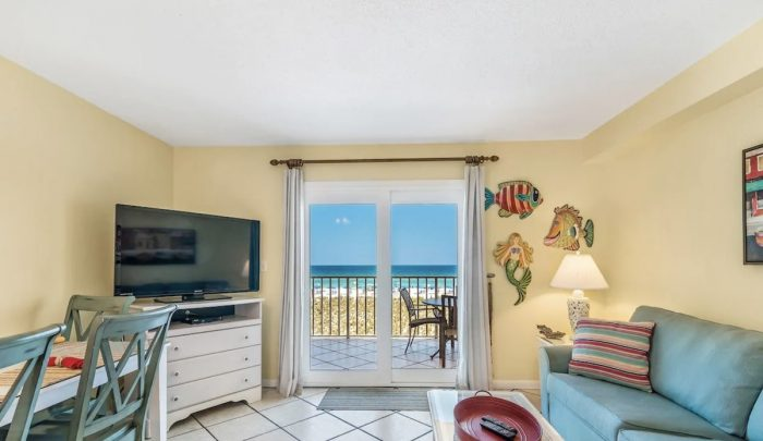 Gulf Shores Beachfront Airbnb with Ocean View