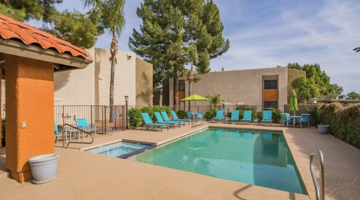 North Scottsdale One Bedroom Airbnb with Pool