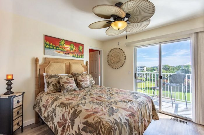 Unique Destin Airbnb Apartment with Tiki Room and Gated Beach Access