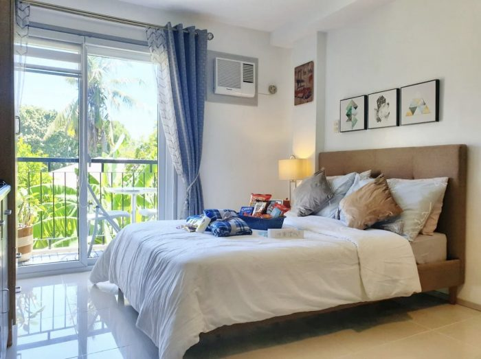 Airbnb in Iloilo City with balcony