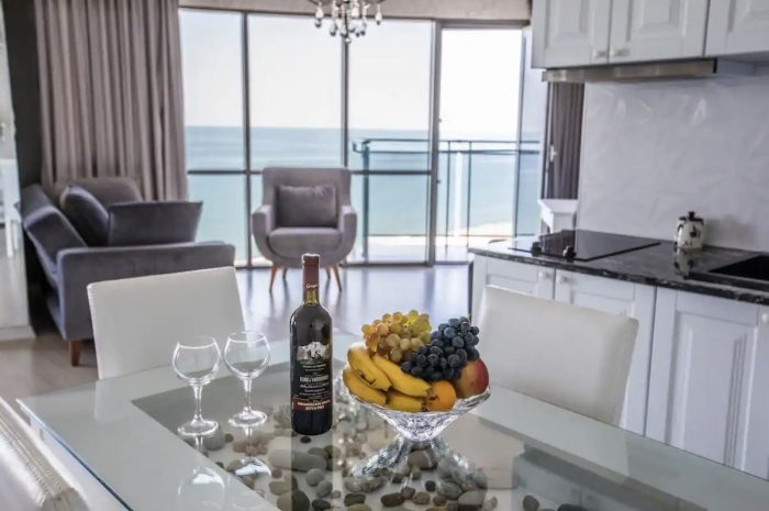 Batumi Airbnb with AMAZING panorama, 50 meters from the sea