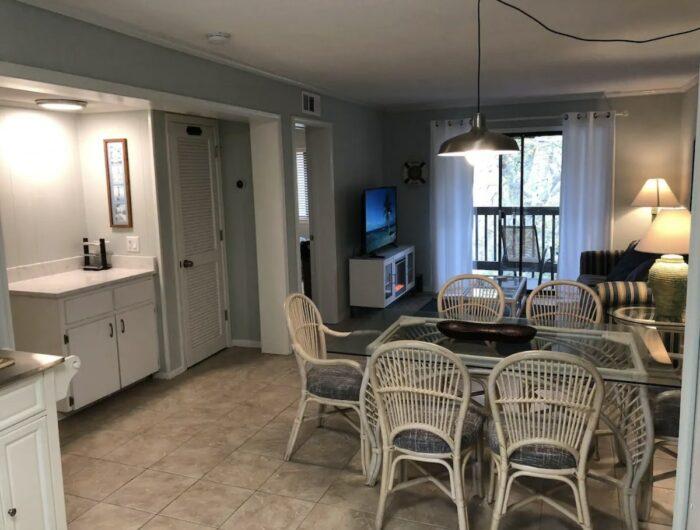 Home.fit Beachfront-Airbnb-Condo-Hilton-Head-Island-700x530 The Top 7 Best Airbnbs in Hilton Head Island, South Carolina