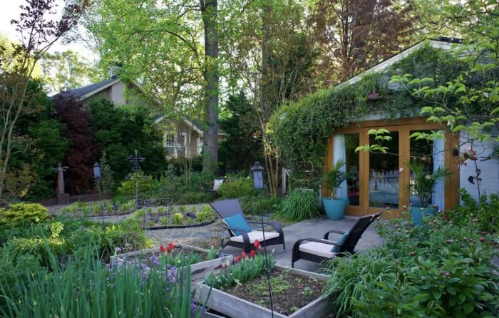 Home.fit Garden-Airbnb-near-Downtown-in-NC-700x446 The Top 7 Best Airbnbs in Winston-Salem, North Carolina