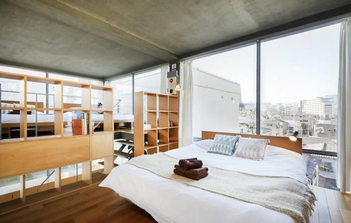 Home.fit Glass-House-in-Shinjuku-Airbnb-with-Roof-Balcony-700x446 The Top 7 Best Airbnbs in Shinjuku, Japan