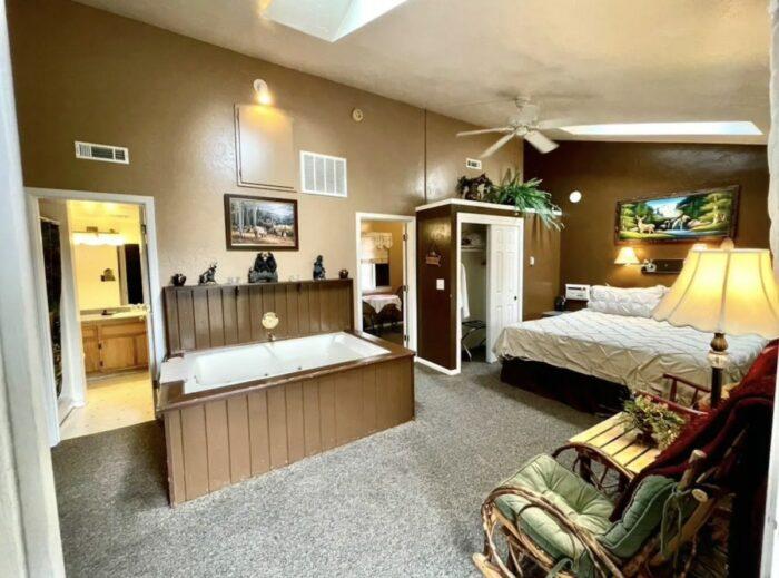 Honeymoon Resort Cabin in Big Bear Lake California