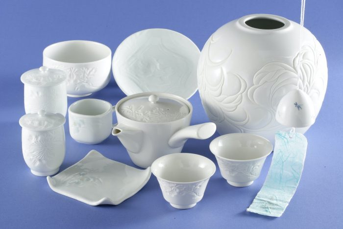 Izushiyaki pottery designated a traditional craft by the Ministry of Economy, Trade and Industry