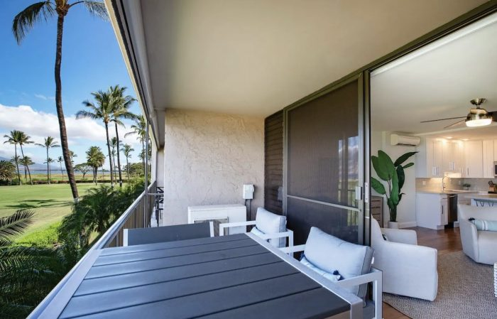 Home.fit Luxury-Beachfront-Kihei-Vacation-Rental-with-Ocean-Views-700x449 The Top 7 Best Airbnbs in Kihei, Hawaii