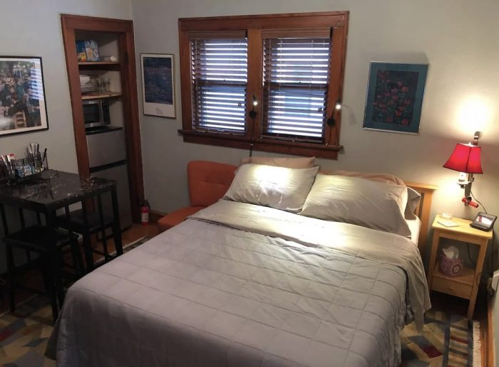 Milwaukee Cozy Suite, with Private Entrance and Spa-Like Shower.