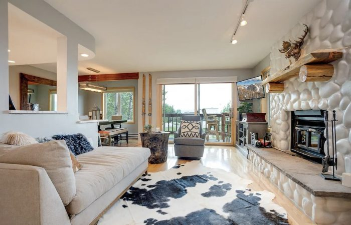 Modern Condo Steamboat Springs Airbnb close to resort