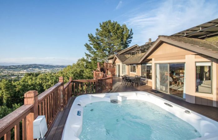 Novato CA Luxury Airbnb with outdoor pool