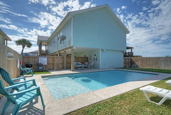 Port Aransas Vacation House Rental with a Private Pool