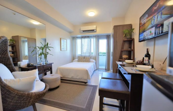Resort Vibe Poolside Airbnb with Terrace in Quezon City