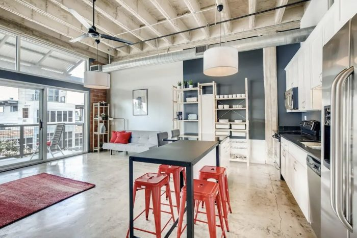 Home.fit San-Antonio-TX-Loft-Airbnb-700x467 The Top 7 Best Airbnbs in San Antonio, Texas
