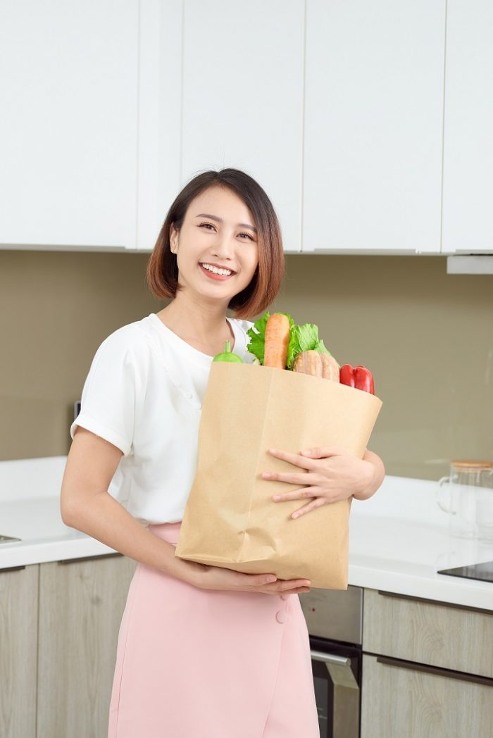 Shop smart for a healthier lifestyle, to save cash on groceries