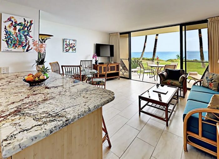 Home.fit Spectacular-Kihei-OCEANFRONT-Airbnb-Only-10-Steps-From-Beach-700x508 The Top 7 Best Airbnbs in Kihei, Hawaii