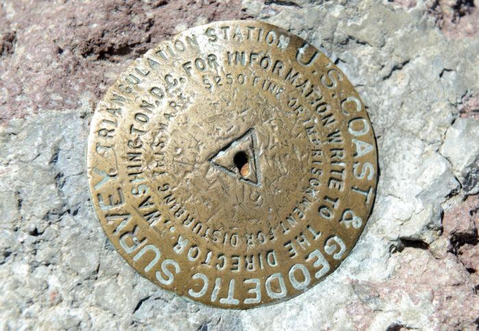 Summit marker, Lassen Volcanic National Park, California, USA via Depositphotos
