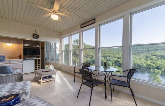 Home.fit Branson-Condo-Airbnb-with-Sunroom-and-fantastic-view-700x450 The Top 7 Best Airbnbs in Branson, Missouri