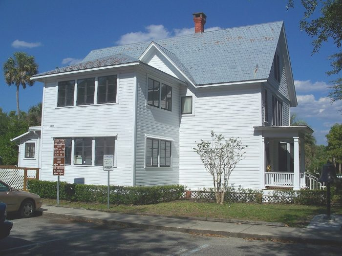 DeLand House Museum by Ebyabe via Wikipedia CC