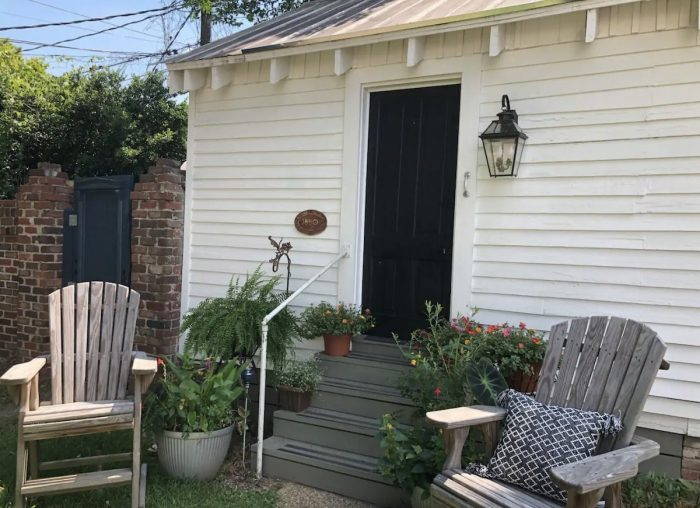 Downtown Historic District Cottage Charmer