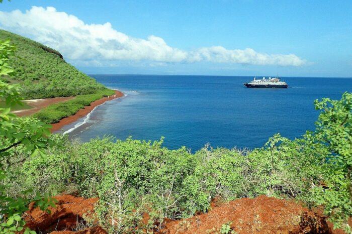 Galapagos Cruise Tour