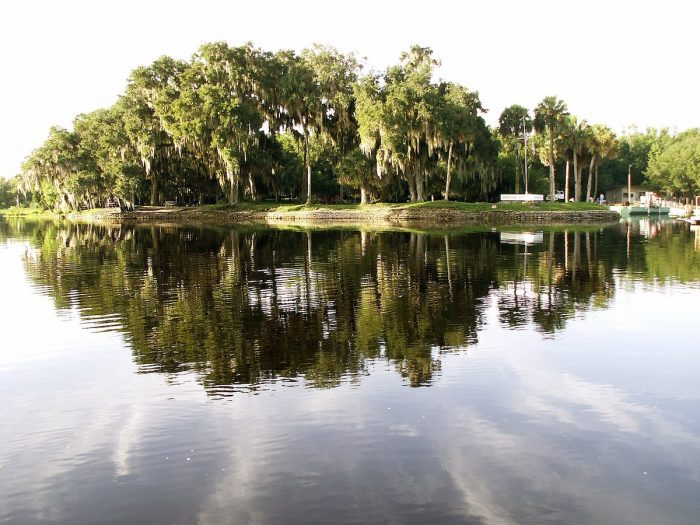 Home.fit Hontoon-Island-State-Park-on-the-St.-Johns-River-in-Florida-by-Moni3-via-Wikipedia-CC-700x525 Bucket List: Top 15 Best Things to Do in Orange City, Florida
