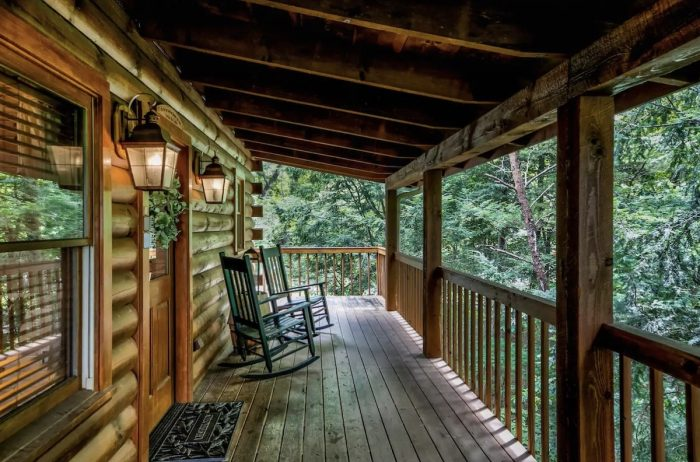 Sevierville Cabin with indoor pool, fireplace, hot tub and porch bed