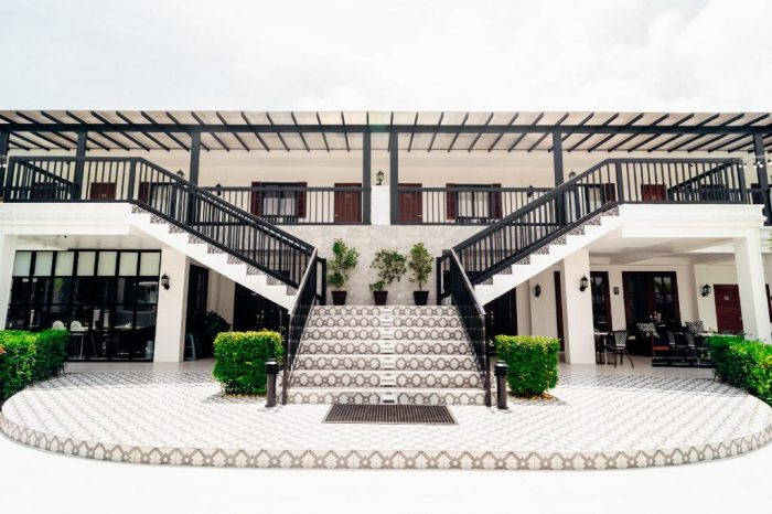 Home.fit The-Mansion-Hotel-Angeles-Pampanga-700x466 Ultimate List Of The Best Hotels In Clark, Pampanga