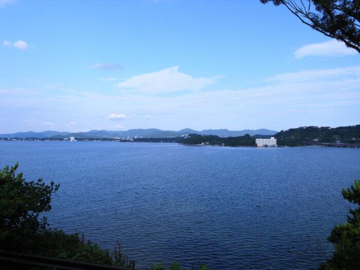 Lake Hamana by Kazuko Maeda via Wikipedia CC
