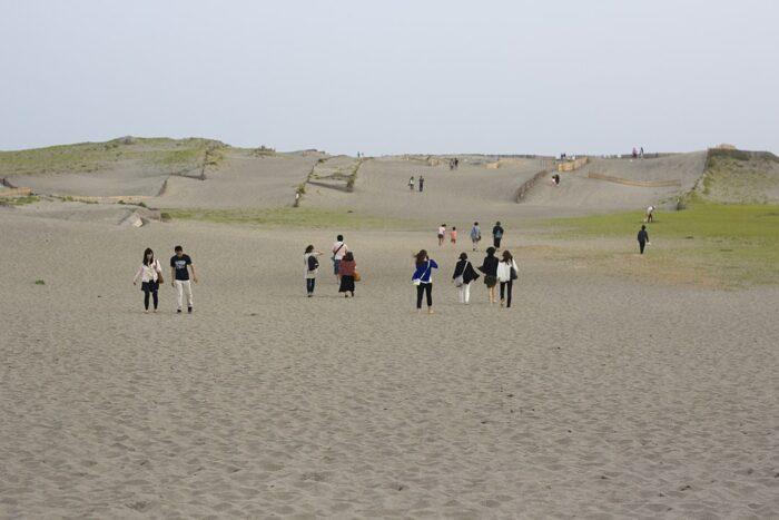 Nakatajima Sand Dunes by Japanexperterna via Wikipedia CC