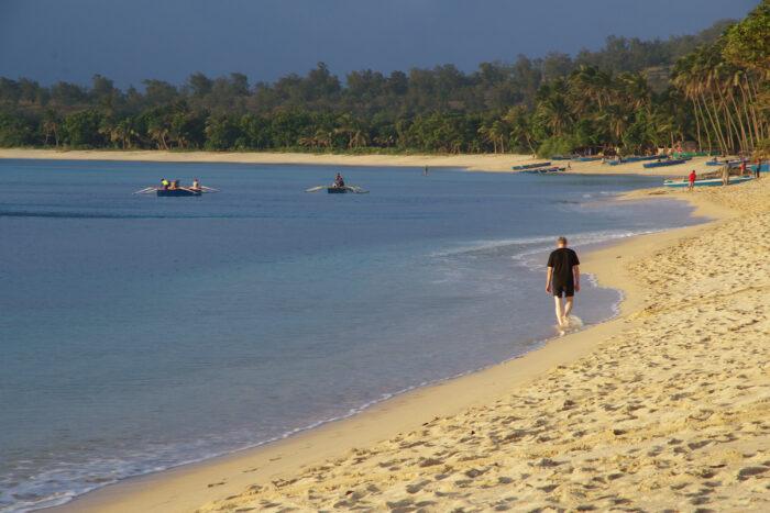 SAUD BEACH (Photo courtesy of Ilocos Norte Tourism Office)