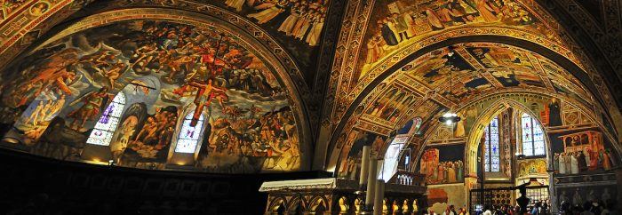 Home.fit The-colorful-murals-on-the-ceiling-of-the-lower-basilica.-700x242 VISITA IGLESIA #1: St. Francis of Assisi Basilica in Assisi, Italy?