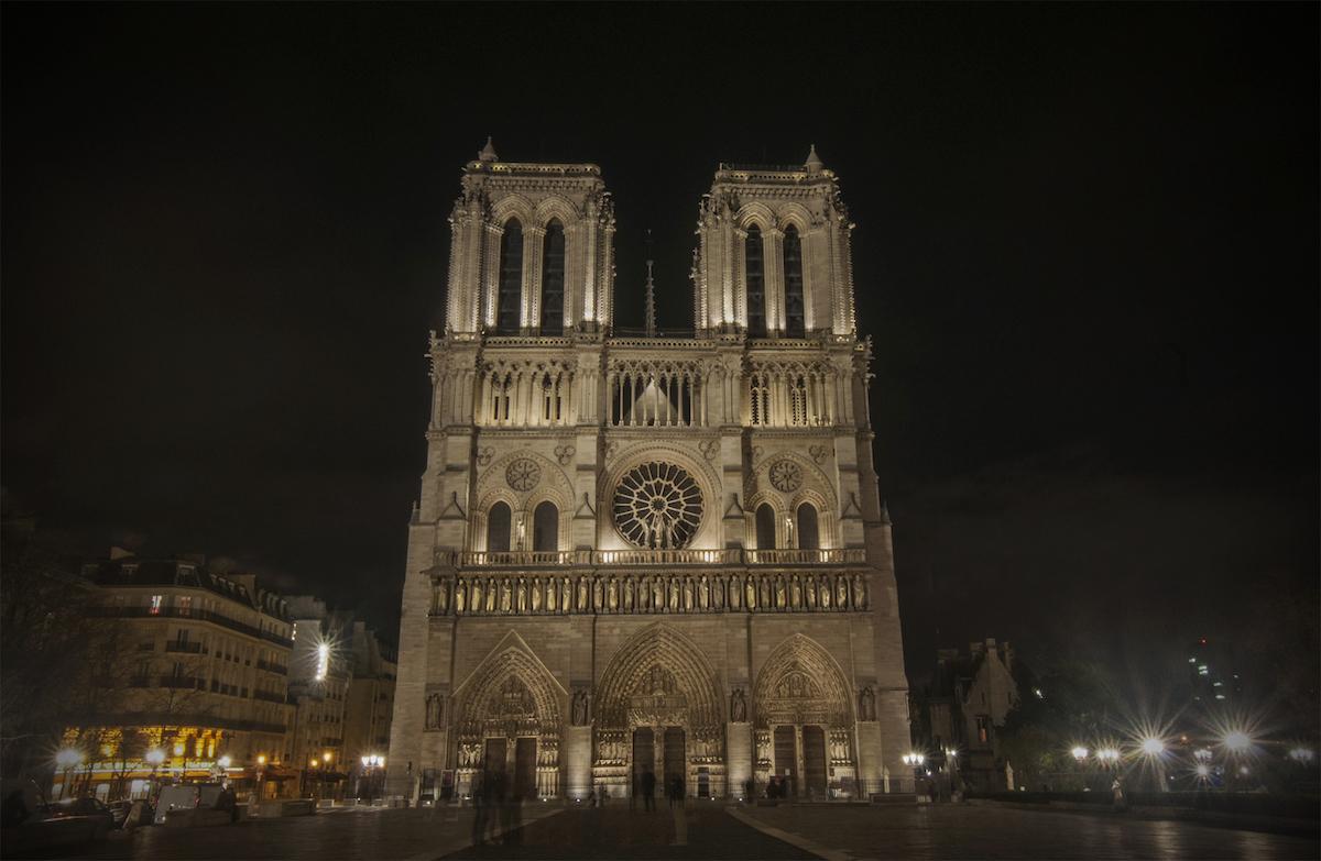 Europe Visita Iglesia #3: Notre Dame Cathedral in Paris, France