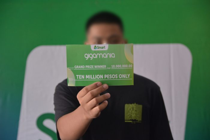 SMART GIGAMANIA MILLIONAIRE. A 19-year-old criminology student from Vintar, Ilocos Norte wins the P10 million grand prize in the recently concluded Smart GigaMania. Through the promo, Smart gave away P30 million worth of prizes and weekly freebies from December to April 2021 as a way of giving back to loyal and new subscribers. To know more about Smart's exclusive promos and perks, download the GigaLife App on Google Play Store, Apple App Store, and Huawei Mobile Services.