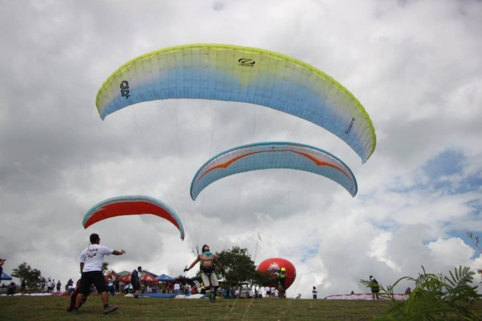 Paragliding in Maasim