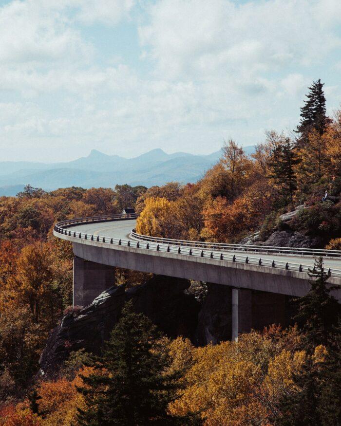 Blue Ridge Parkway by WEs Hicks via Unsplash