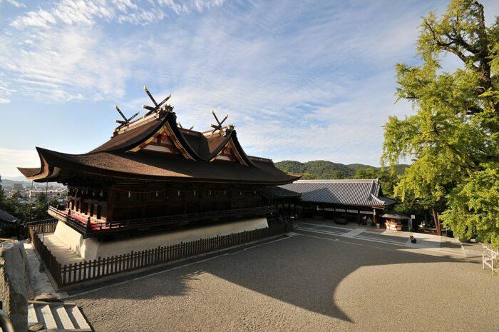 Kibitsujinja Shrine by Reggaeman via Wikipedia CC