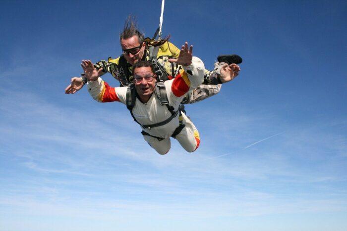 Skydiving photo via Pixabay
