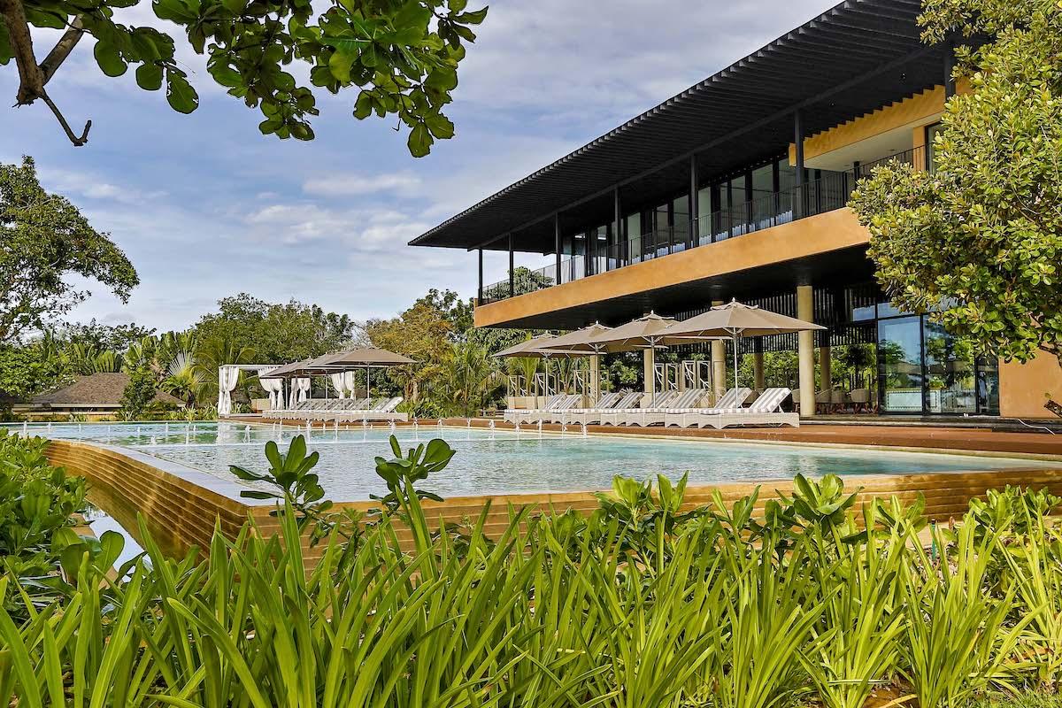 Going Greek at Bohol's Amorita Resort