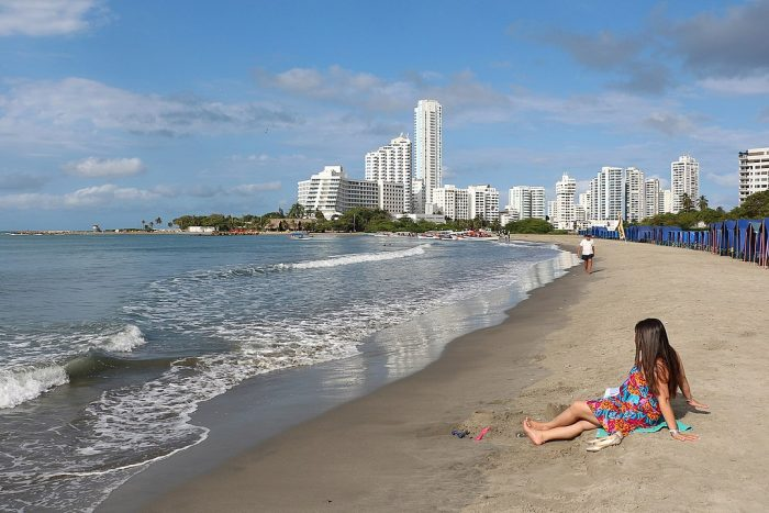 Beach of Bocagrande by Bernard Gagnon via Wikipedia cc